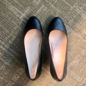 Cole Haan Black Wedged Pumps (Size 8/8.5)